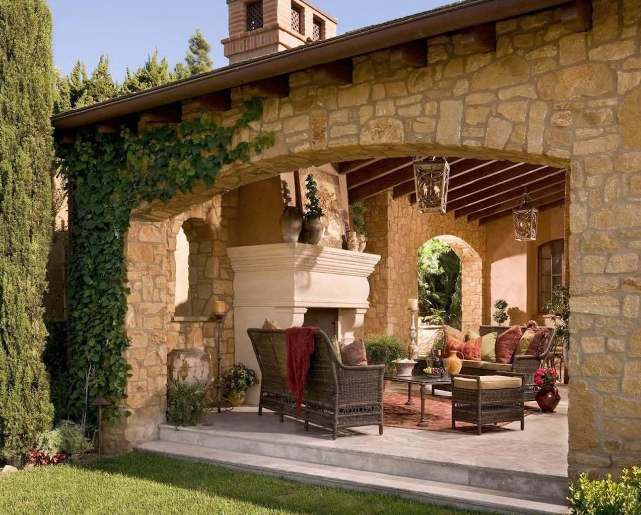 rivestimento-pietra-naturale-ricostruita-parete-rustica-prezzo-costi-credaro-pietrarredo