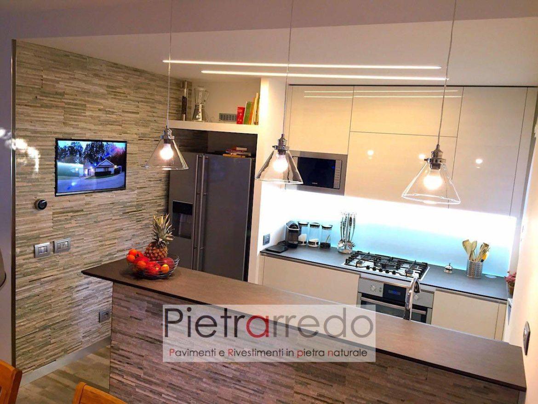 Rivestire parete cucina soggiorno con rivestimento scaglia - Rivestimento parete cucina ...