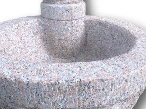 vaschetta in pietra con fontana in granito rosa baveno montorfano in offerta da pietrarredo milano eva