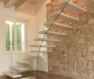 Rivestimento in pietra rustica borgo toscano sasso da parete invecchiato anticato beige prezzo pietrarredo milano costi mq offerta