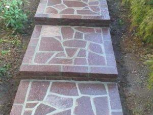 scala in porfido con binderi come alzata in pietra pavimento esterno prezzo costi palladiana pietrarredo milano