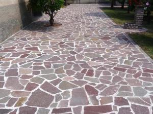 pavimentazioni in pietra porfido mosaico prezzi costi palladiana pietrarredo milano