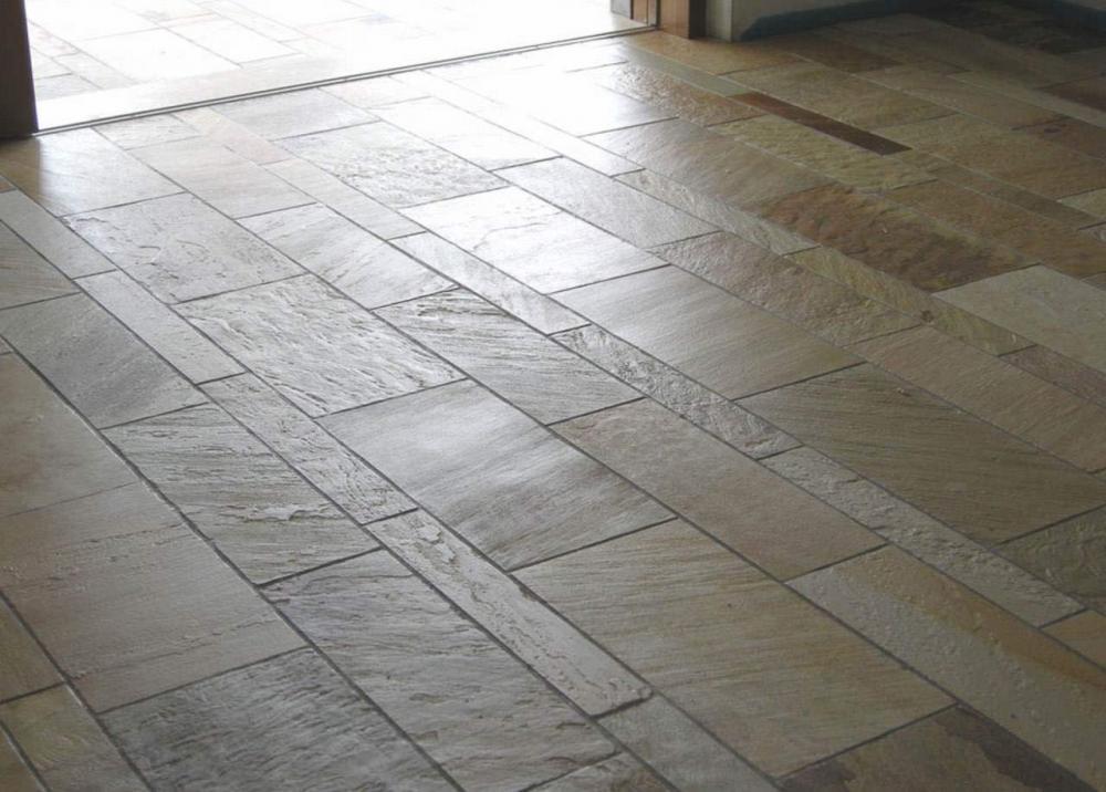 Trattamento pavimento pietra quarzite brasiliana fila satin pietrarredo costo milano