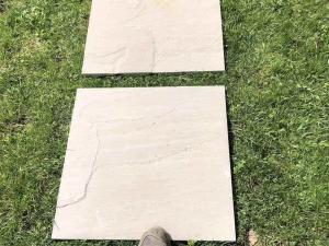 pietra per camminamento secco prato antiscivolo costi arenaria grigia kandala grey pietrarredo
