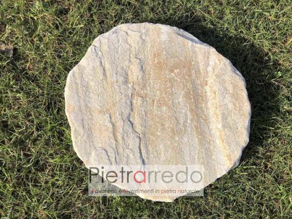 passo per prato giardino lastre in pietra da appoggiare su prato per passaggio a piedi costi pietrarredo milano