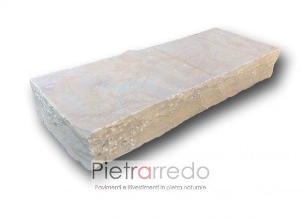 blocco di pietra grezza per gradino contenimento terra poietrarredo milano prezzo costi metro arenaria indiana gold