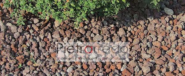 stone garden italy lapillo vulcanico rosso decorazione per aiuole offerte e prezzi pietrarredo milano