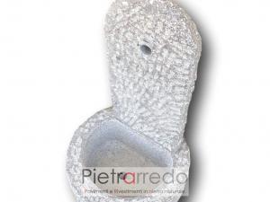 fontanella in pietra granito fatta a mano costi granito grigio scalpellinato a mano bocciardato
