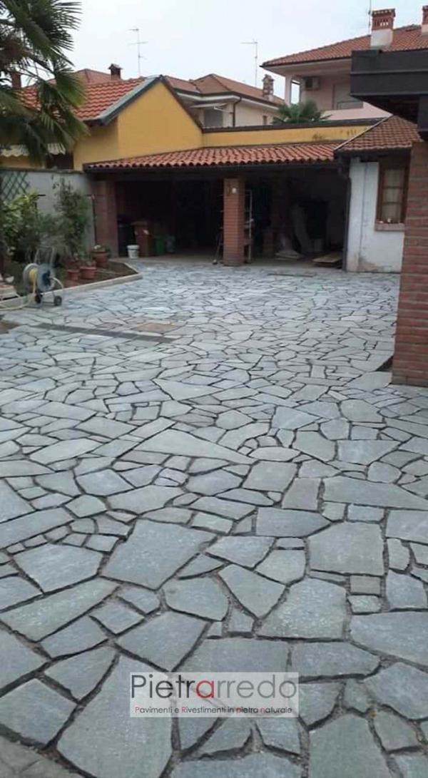 pavimento cortile in pietra naturale luserna blu grigio uniforme offerta prezzo spessore 2 4 cm pietrarredo selciato