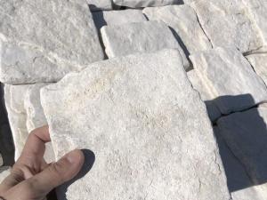 rivestimento in pietra naturale antiqua anticata spazzolata vecchia bianca offerta e prezzo pietrarredo milano