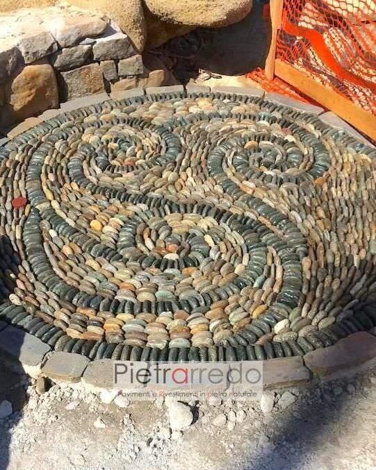 decorazione rosa pavimento in pietra con ciottolo piatto sassolini colorati pietrarrredo milano prezzo
