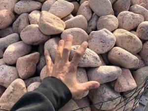 vendita ciottolo di 10 centimetri per arredo giardino zen giapponese colore rosa prezzo pietrarredo pink pebbles