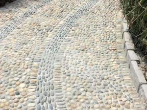 pavimento ciottolo di fiume elegante sassolini sasso pietrarredo costi milano lombardia