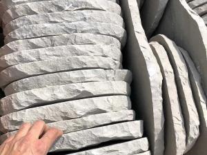 lastre mattonelle in pietra sasso per camminamenti viali prato passi pietrarredo milano